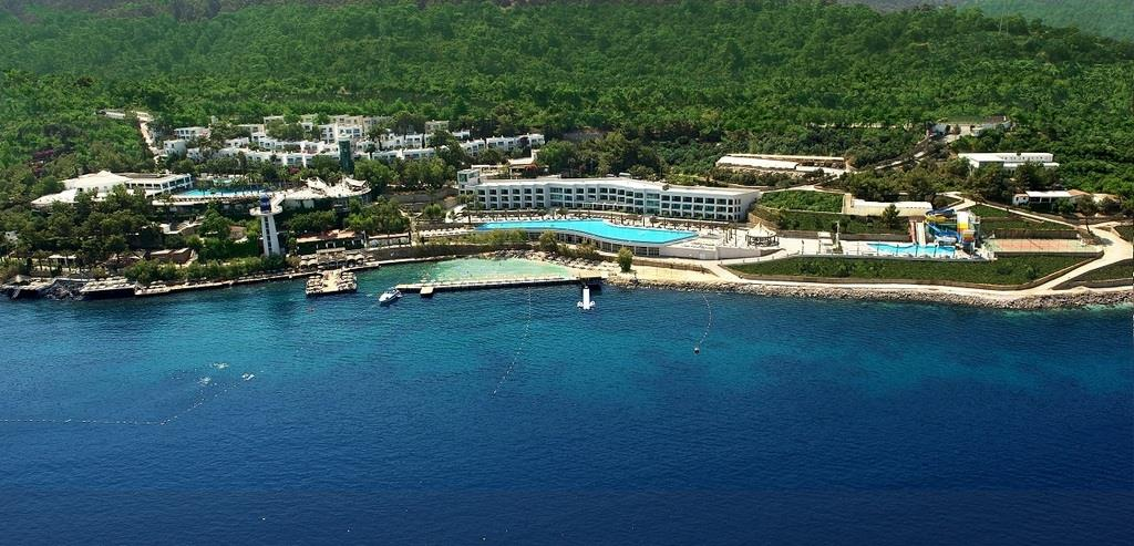BLUE DREAMS RESORT & SPA