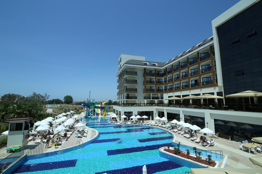 GLAMOUR RESORT & SPA HOTEL